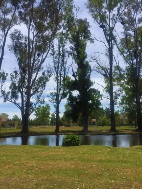 oportunidad! casa en venta en haras del sur i con amplio parque!
