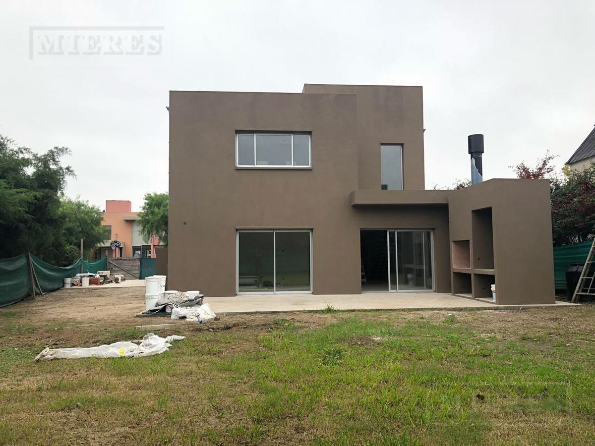 oportunidad: casa en venta estilo moderno en santa clara, villanueva