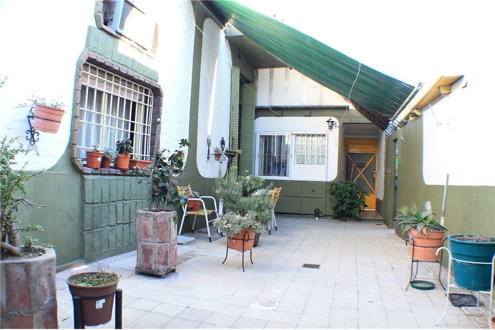oportunidad casa + patio + cochera
