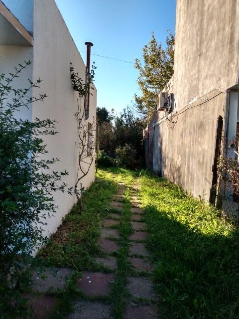 oportunidad, casa sobre asfalto, a cuadras del  centro garin
