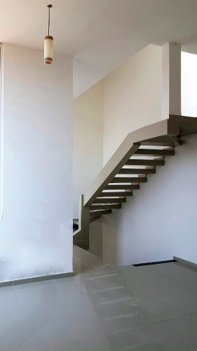¡oportunidad!! casa sola nueva en venta la carcaña 300 m2