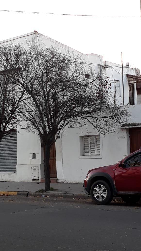 oportunidad de inversión - viviendas + 4 locales