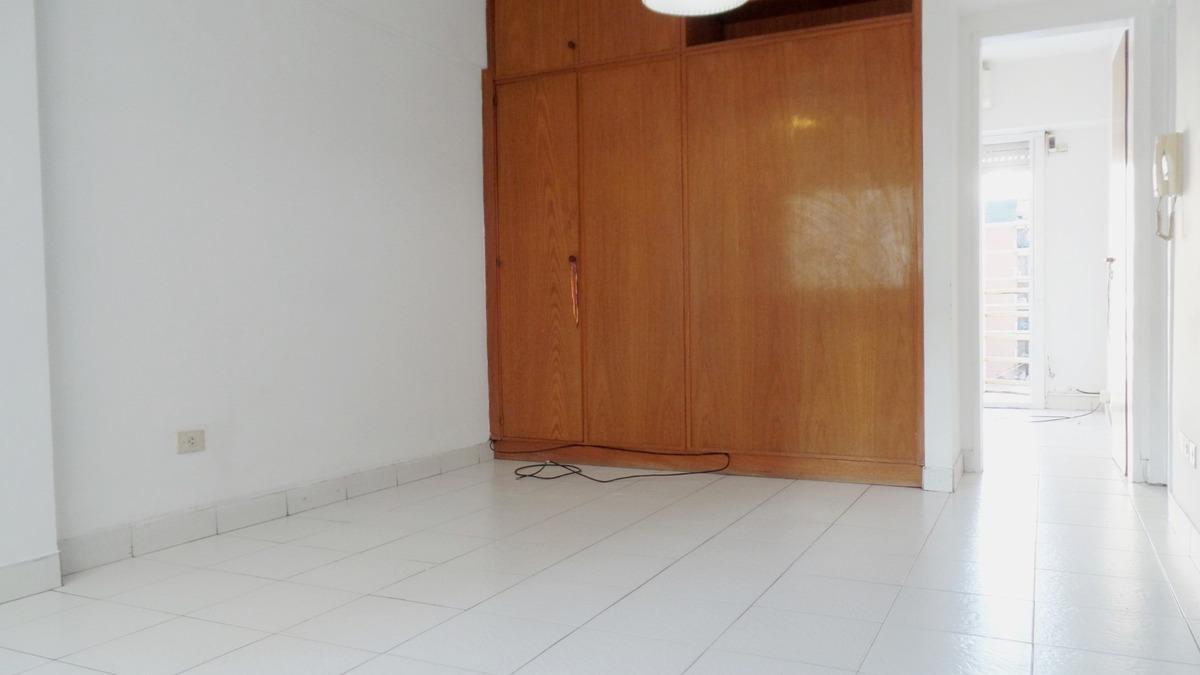 oportunidad !! departamento 2 amb en venta. cocina separada.