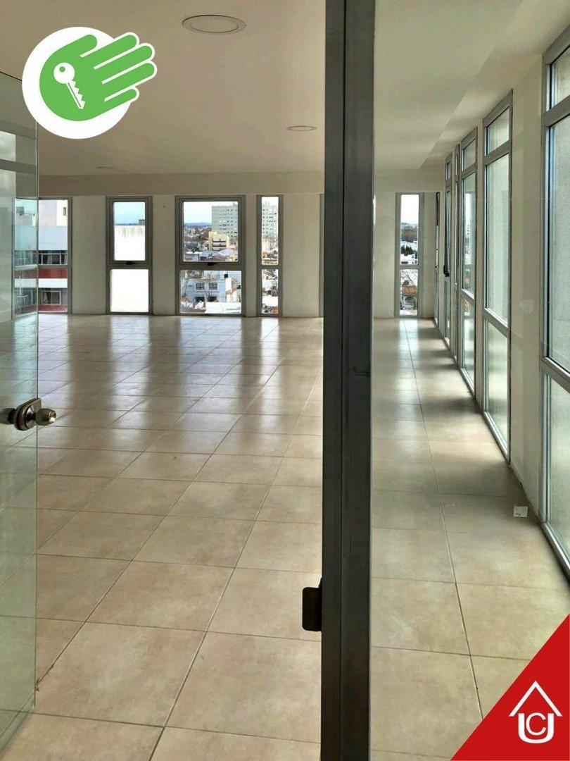 oportunidad - gran oficina - 85 m2. - 2 cocheras - 2 baños
