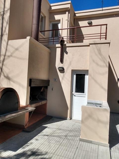 oportunidad!!!!!!, hermosa casa en barrio cerrado.