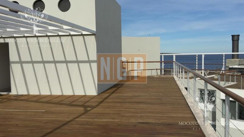 oportunidad !! hermoso penthouse con terraza de uso exclusivo y parrillero propio,-ref:14761