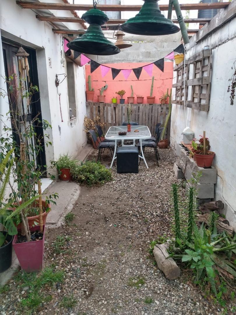 oportunidad las palmas casa de 2 dormitorios con patio