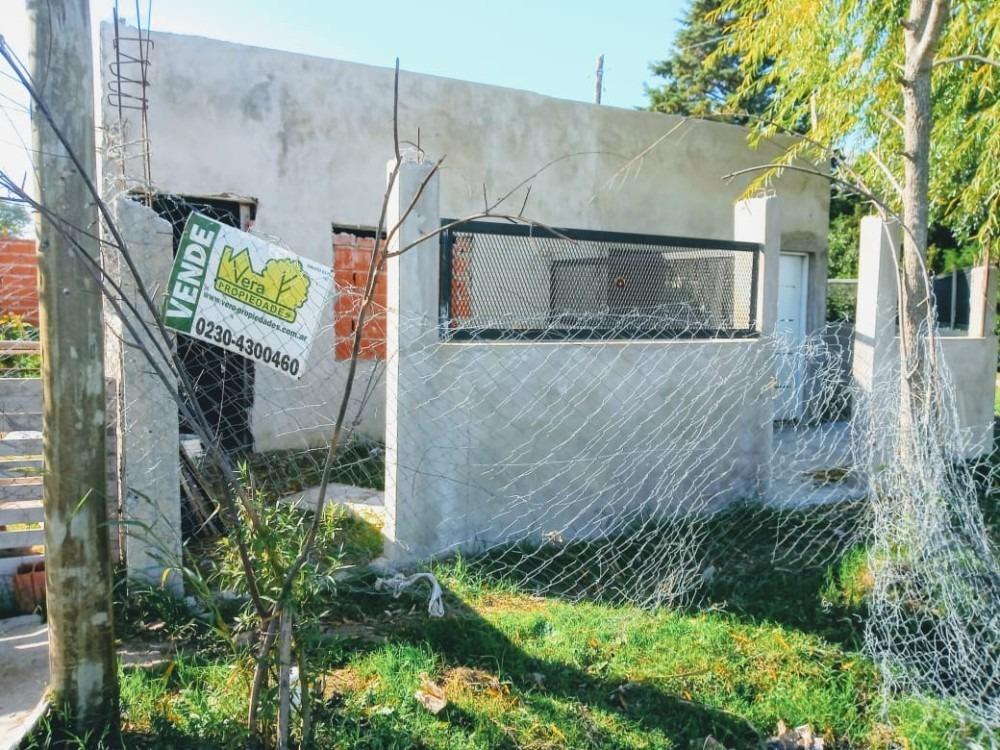 oportunidad lote con construcción a terminar en manzanares