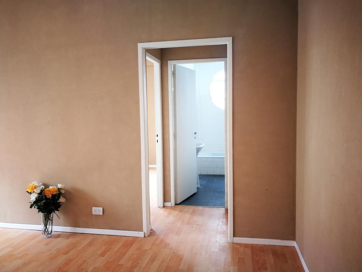 oportunidad! oficina san martin 400, externa y luminosa - centro