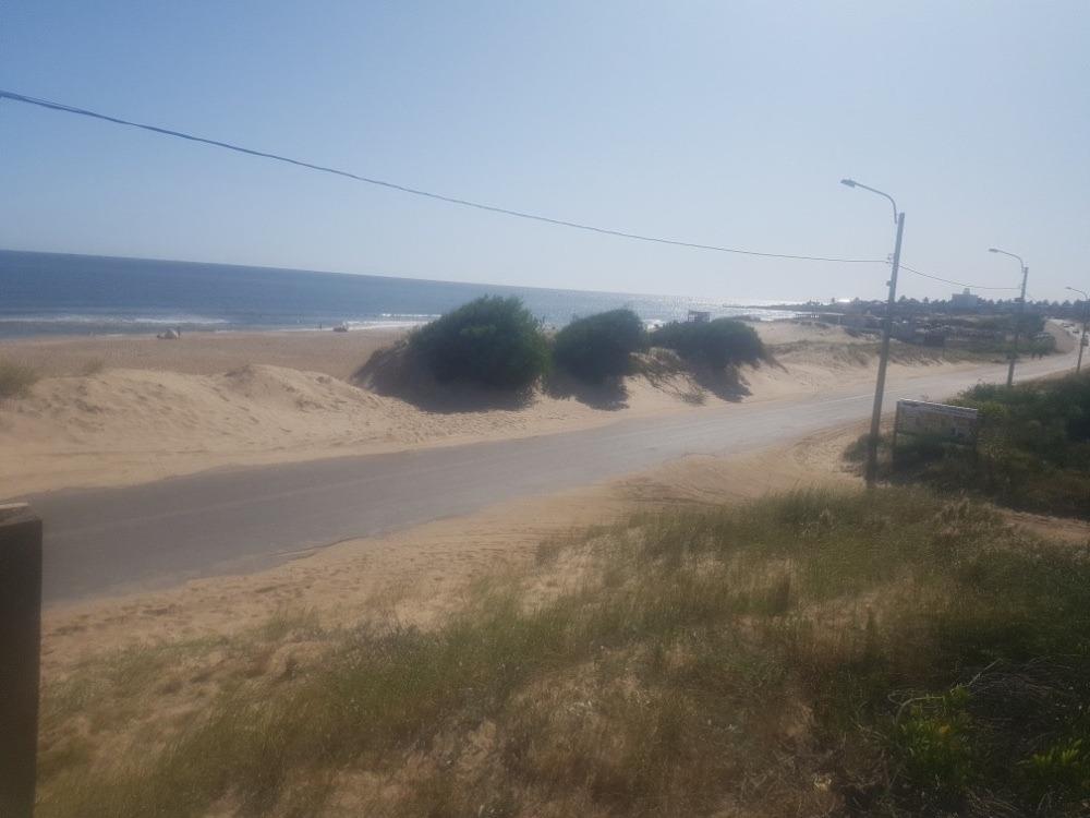 oportunidad para inversor, 2 terrenos frente al mar