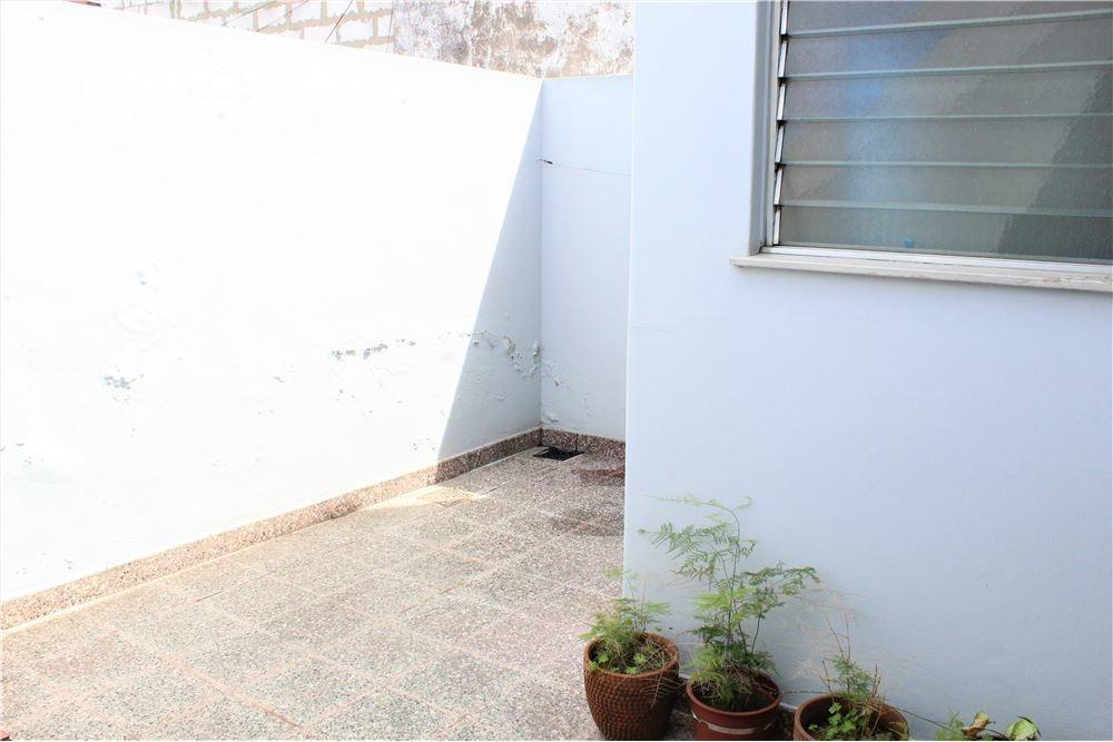 oportunidad ph de 3 amb c/patio y terraza