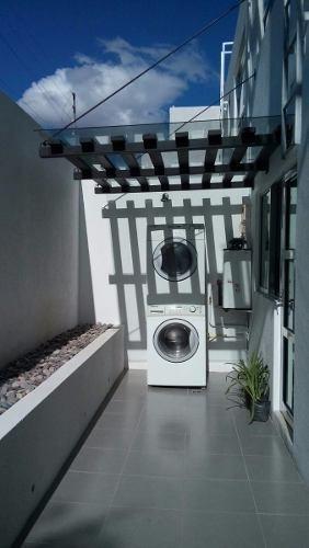 oportunidad preciosa casa en el refugio, 3 recámaras, jardín
