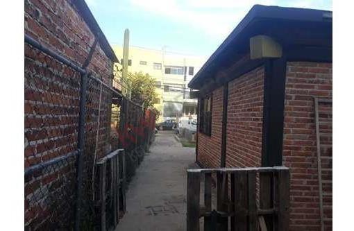 oportunidad, terreno en venta en avenida comercial con 70 m2 de construcción