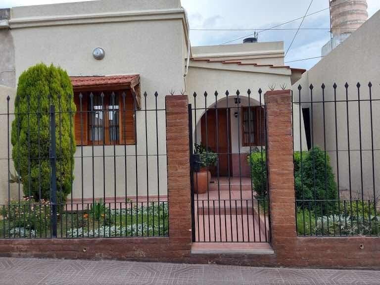 oportunidad - vendo casa en barrio san vicente