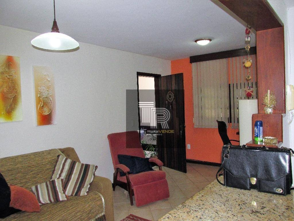 oportunidade 2 casas independentes, 4 vagas, varandas e churrasqueira - itaipu - ca0023