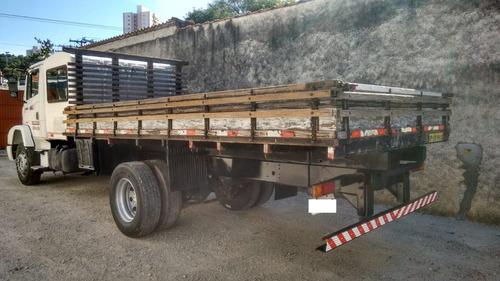 oportunidade caminhão mb 1318 carroceria com cabine auxiliar