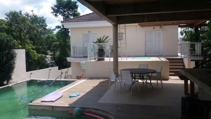 oportunidade casa com 5 suites, churrasqueira e piscina - sh1000