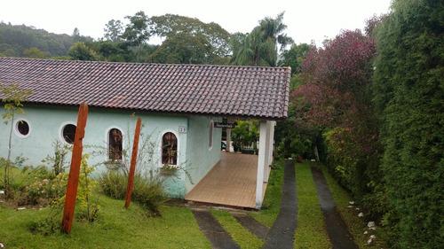 oportunidade chacara ibiuna 2.000 mts casa, piscina, pomar e churrasqueira.