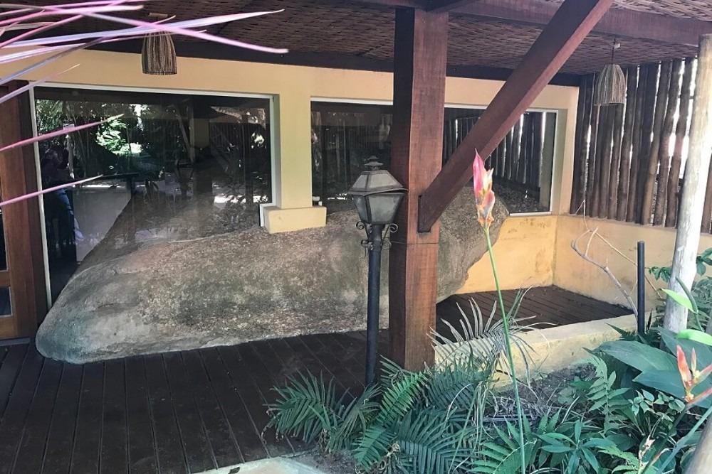 oportunidade  em ilhabela- casa de condominio com piscina