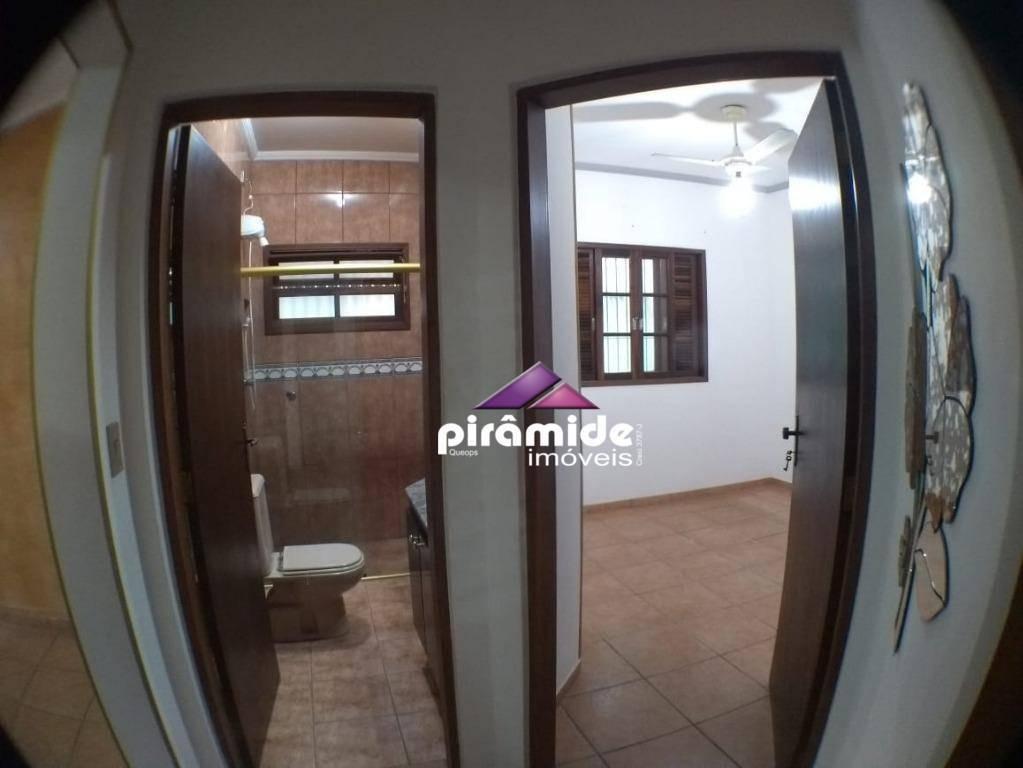oportunidade na praia das palmeiras: ótima casa à venda, 3 dormitórios/suíte, área gourmet e piscina, 175 m², r$ 600.000, jd. britânia, caraguatatuba - ca4818