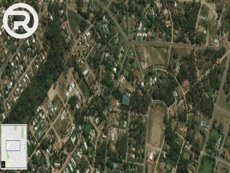 oportunidad,importante terreno esquinero en zona residencial