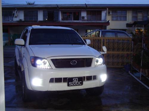 opticos con angel eyes toyota hilux