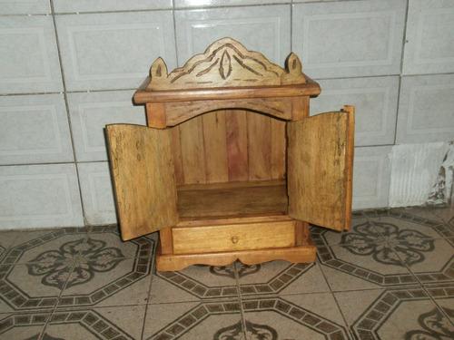 oratorio em madeira rustica com gaveta