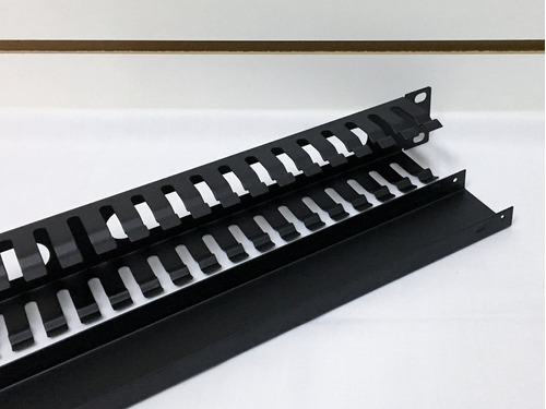 organizador de cables metalico para uso en rack