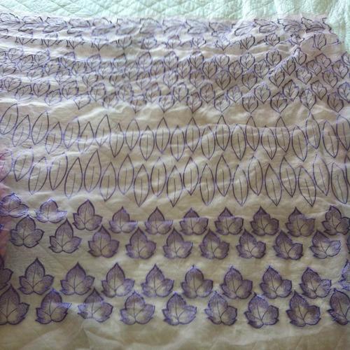 organza bordada en color violeta/ lila