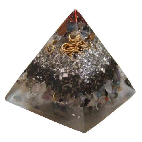 orgónita en pirámide chica tamaño aproximado 4 x 5 cms