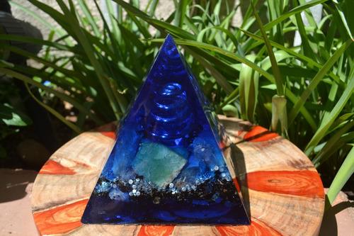 orgonite pirâmide grande