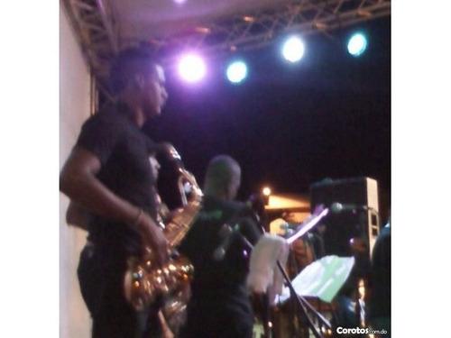 orquesta brugal no,  metal negro para todos tipo de evento