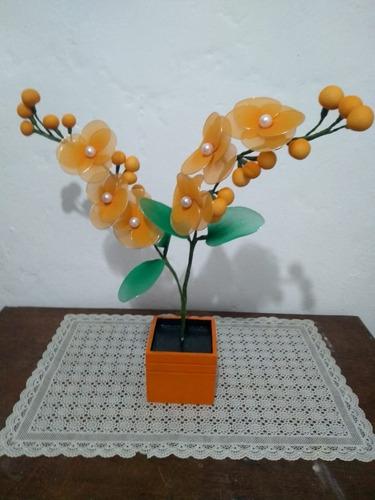 orquídea vaso madeira alaranjado 2 galhos artesanal