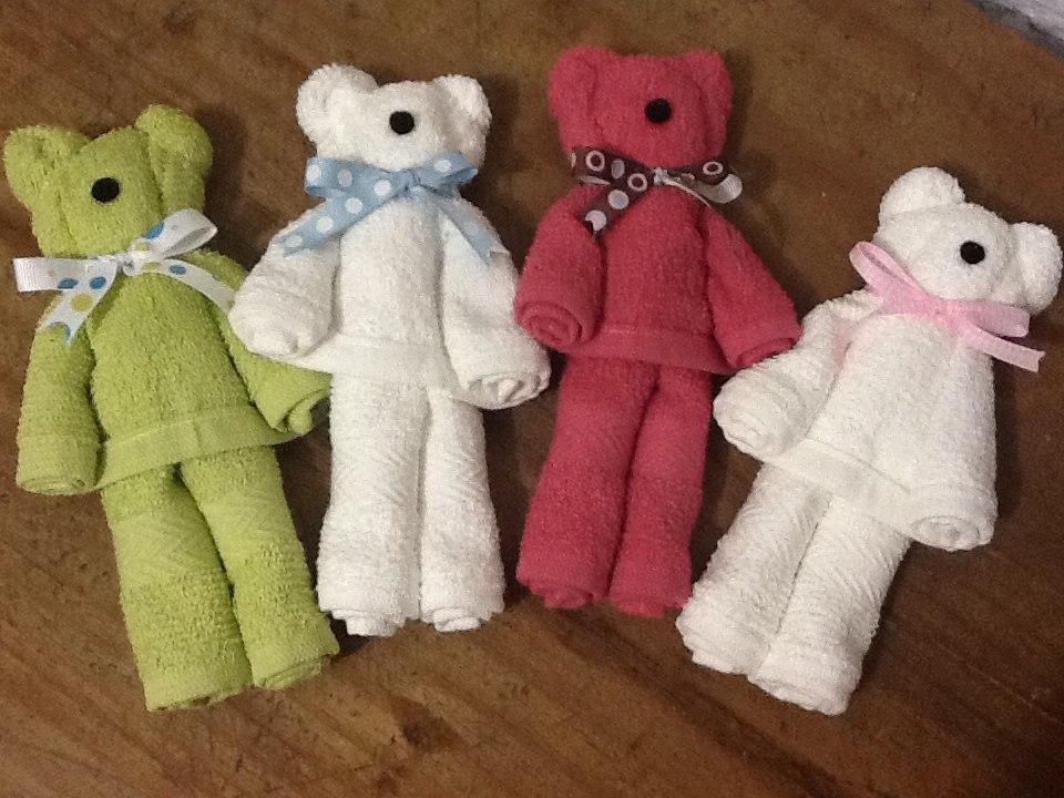 Osito de toalla recuerdos bautizo baby shower en for Adornos con toallas