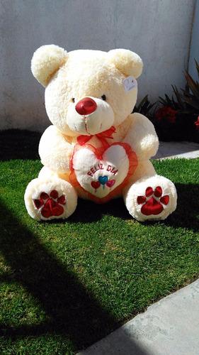 oso de peluche concho corazón grande 75 cms sentado.