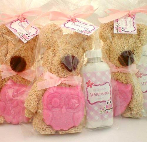 oso de toalla 1 jabón de glicerina 1 botella de gel o crema