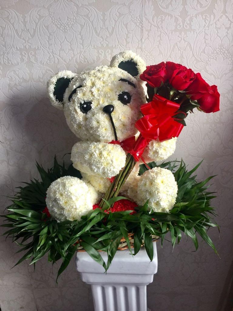 Oso Gigante De Flores Naturales Con Ramo De Rosas 1 100 00 En