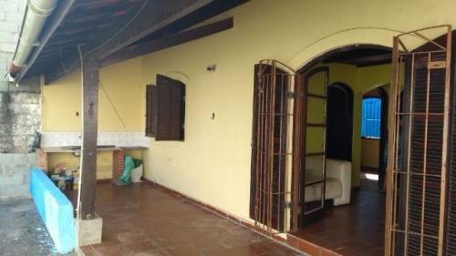 ótima casa, 400 metros do mar, escriturada espaço p/ piscina