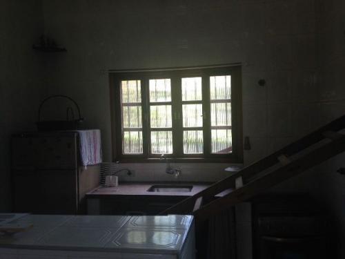 ótima casa com 2 dormitórios e 2 banheiros, confira!!!