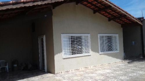 ótima casa com 2 quartos no lado praia, itanhaém-sp!!