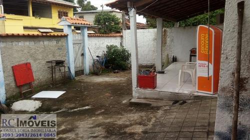 ótima casa com 2 quartos, sala, quintal, garagem e cozinha!!