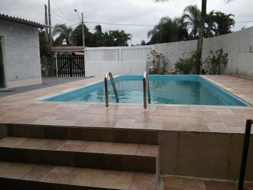 ótima casa com piscina, em itanhaém balneário gaivota