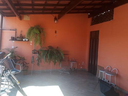 ótima! casa de 3 quartos no bairro alípio de melo - 1386