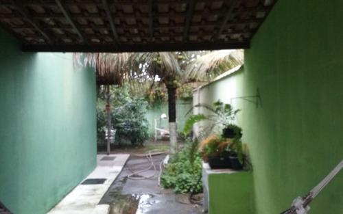 otima casa em itapuaçu  com 2 quartos, tereno de 439m2,  perto da praia