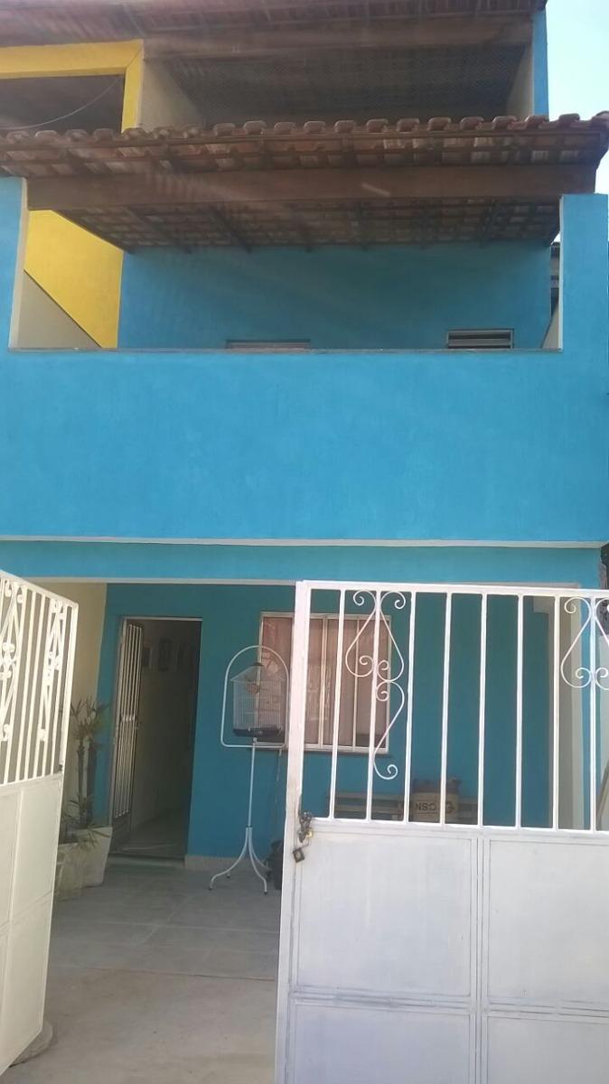 ótima casa em vista alegre, com 2 quartos, sala, cozinha !!