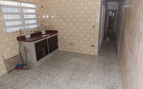 ótima casa geminada de 2 dormitórios sendo 1 suíte