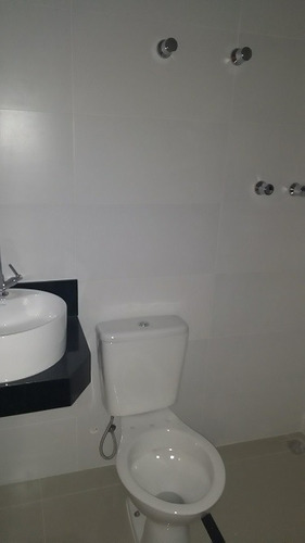ótima casa geminada independente 2 quartos - 555