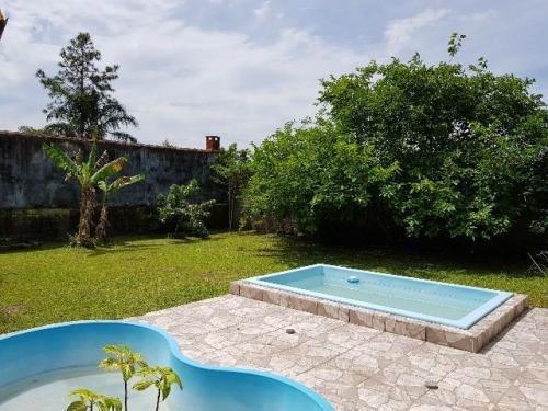 ótima chácara com 3 quartos em itanhaém, com 2 piscinas!
