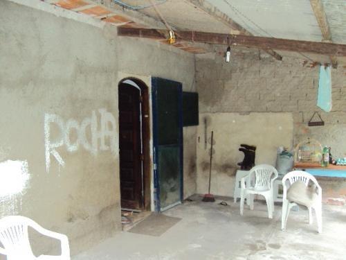 ótima chácara em itanhaém-sp, com 3 dorm. e 1 banheiro!