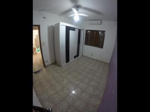 ótima edicula + uma casa iniciada c/ 3 cômodos, itanhaém-sp!